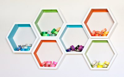 Small Apartment Ideas: Make Your Own Hexagon Shelves