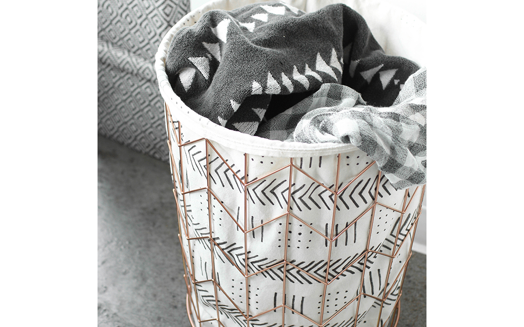 Apartment Hack: Graphic Wire Hamper