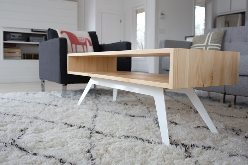 11 Space Optimized-Approved Coffee Tables for a Small Apartment ...
