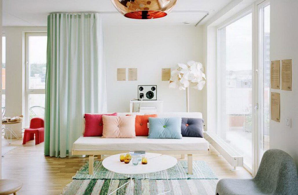 "10 Incredible Ideas To Create ""Rooms"" In A Studio Apartment"