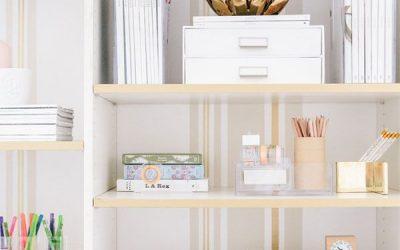 Small Apartment Hacks: 8 Decorating Tips for a Stylish Bookshelf