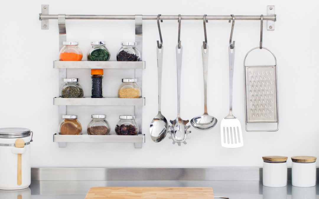Small Apartment Ideas: 10 Storage Tips to an Organized Kitchen