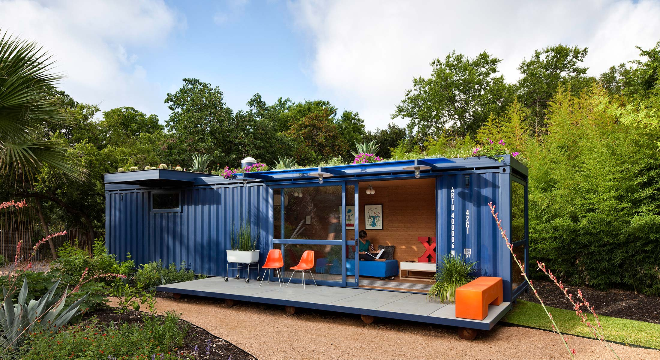 Tiny Home Living: Top 10 Beautiful Shipping Container Homes   SpaceOptimized