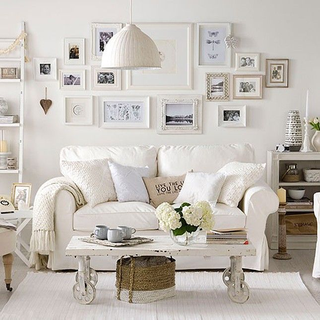 Cozy Living Room Ideas: Snuggle Up! Apartment Design Tips For A Cozy Living Room