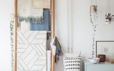 7 Stylish Ways to Decorate a Small Apartment Using Leaning Ladders