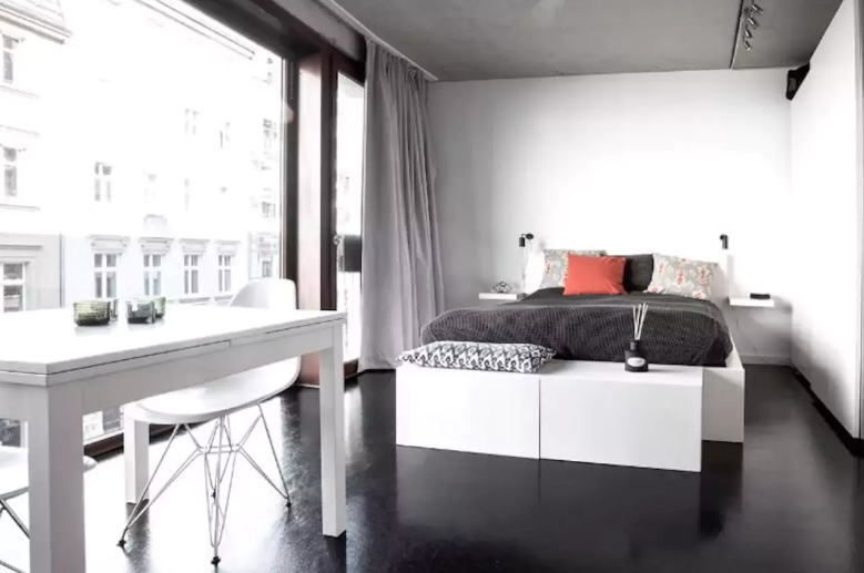 10 Beautiful Budget Airbnb Rentals and Rooms in Berlin