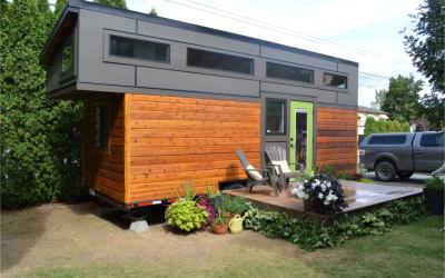 Pursuit Tiny House: A Getaway Home on Wheels