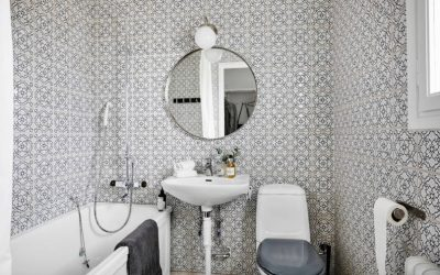 Smart Ways to Make Room in a Small Bathroom