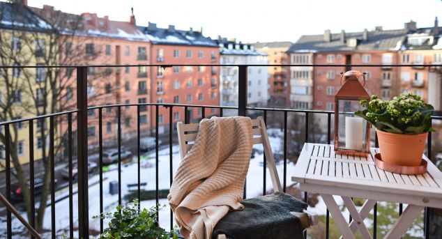 Apartment Decorating Tips for a Tiny Balcony